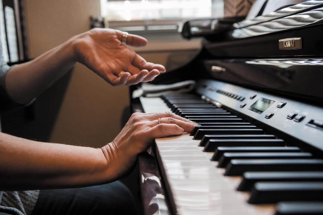 michelle piano hands